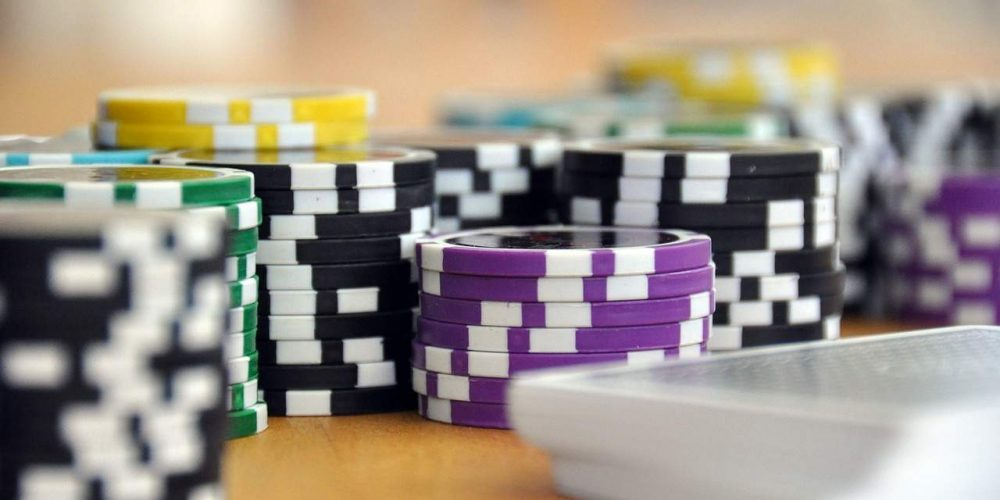 Why Do You Need To Opt For Online Gambling Instead Of Nearby Casinos?